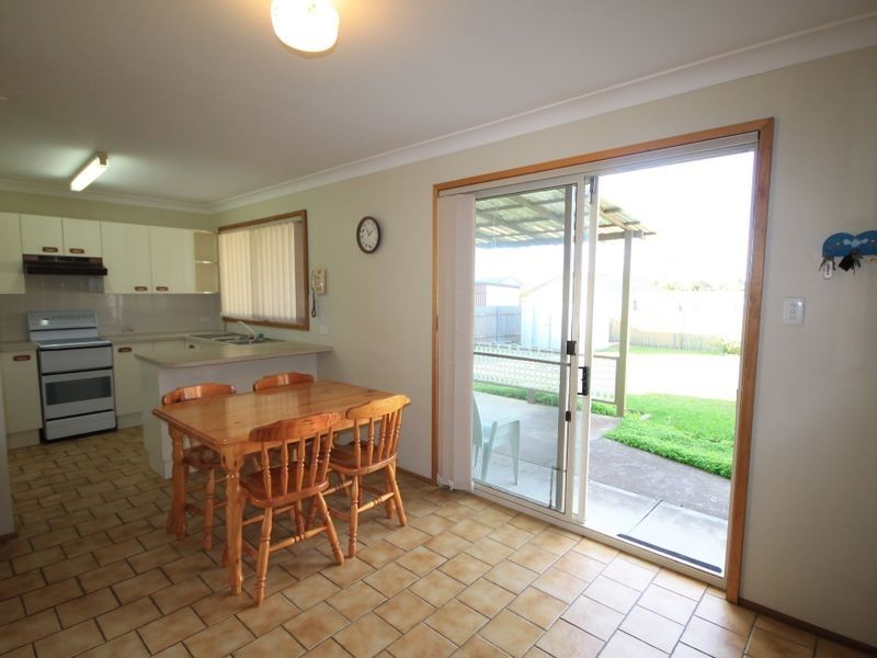 16 Kingsford Smith Crescent, Sanctuary Point NSW 2540