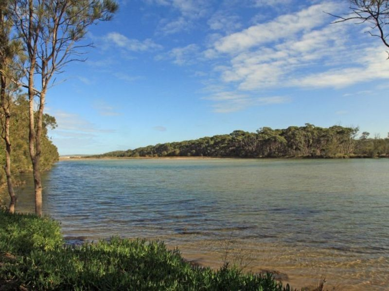 Chalet 2 Berrara Road, Berrara NSW 2540