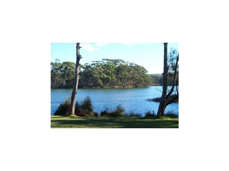 Chalet 5 Berrara Road, Berrara NSW 2540