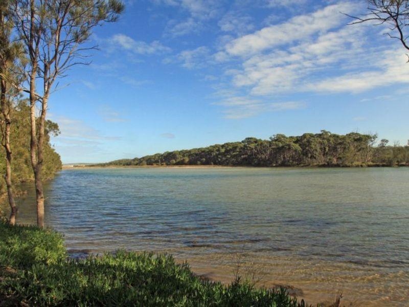 Chalet 9 Berrara Road, Berrara NSW 2540
