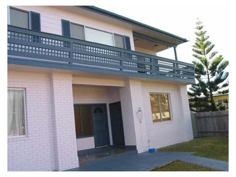 10 Surfway Avenue, Berrara NSW 2540
