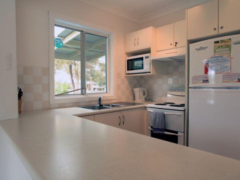 16 Sixth Avenue, Berrara NSW 2540