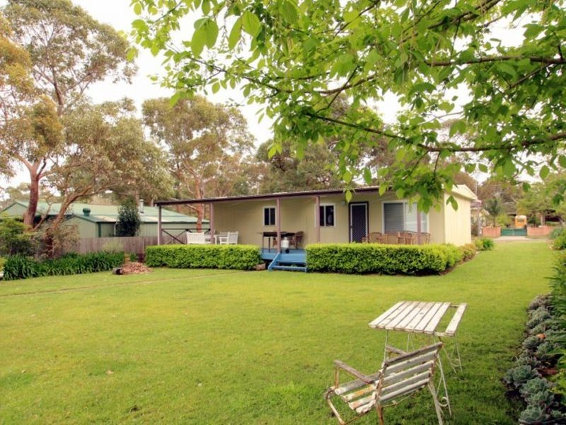 16 Sixth Avenue, Berrara NSW 2540