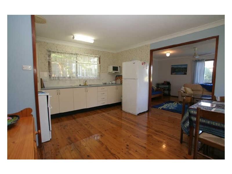 19 Lakeway Avenue, Berrara NSW 2540