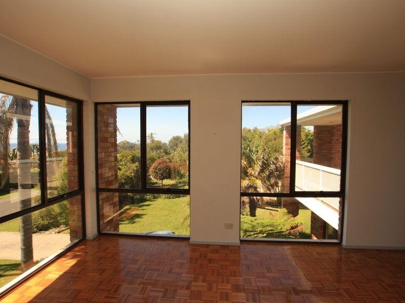 1 Myrniong Grov, Berrara NSW 2540