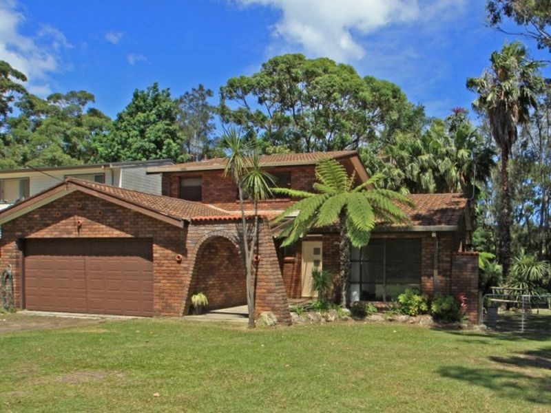 22 Waterhaven Avenue, Berrara NSW 2540