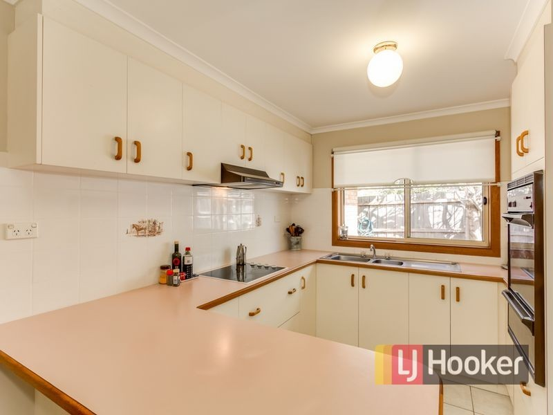 2/27-29 Souter Street, Beaconsfield VIC 3807