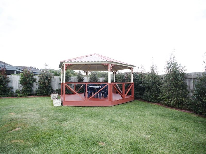 8 Lakeview Terrace, Beaconsfield VIC 3807