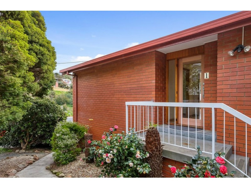1/28 Mount Royal Road, Kingston Beach TAS 7050