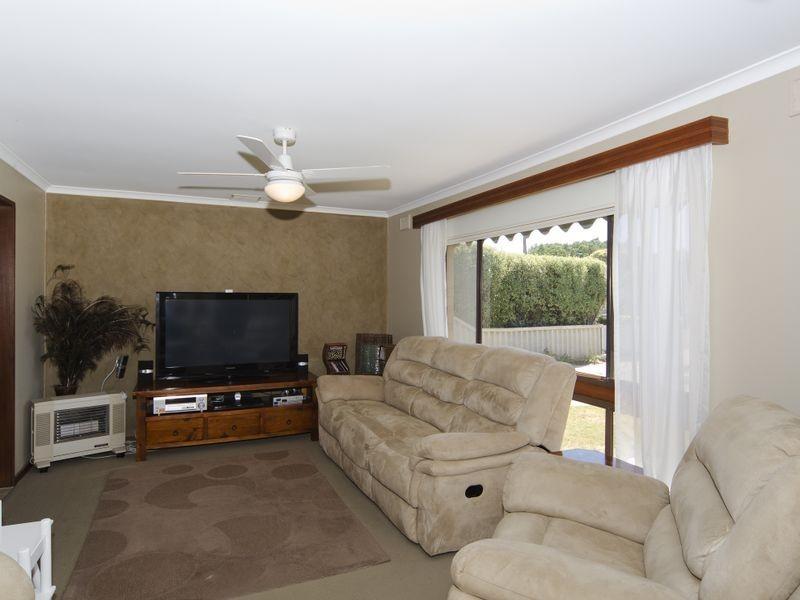 12 Illman Crescent, Aldinga Beach SA 5173