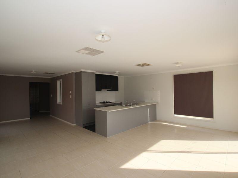43 Basin Street, Aldinga Beach SA 5173