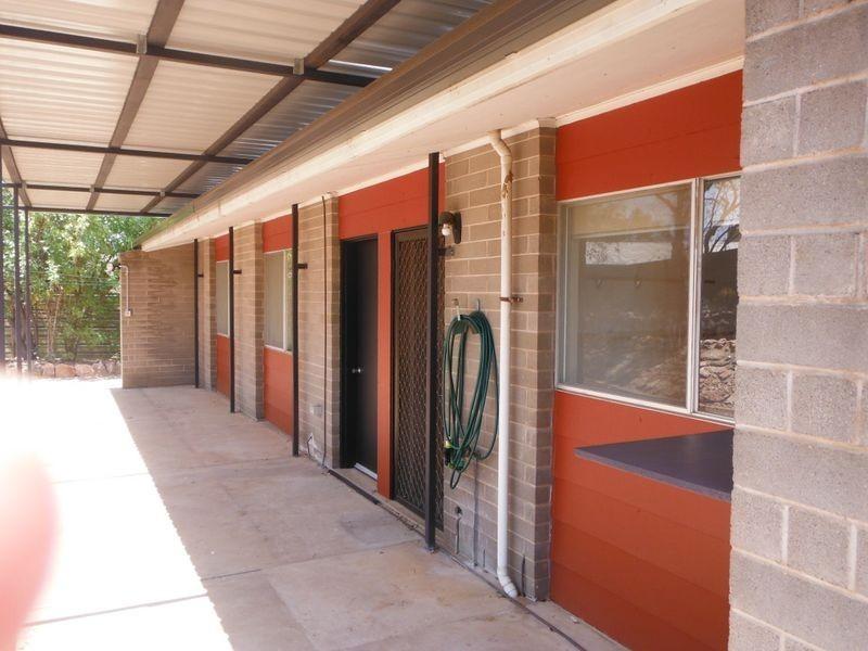 17 Spearwood Road, Alice Springs NT 0870