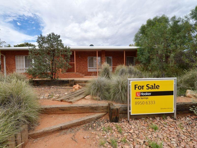 84 Hillside Gardens, Alice Springs NT 0870