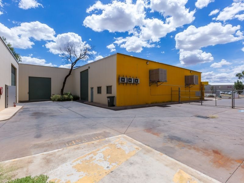 17 Whittaker Street, Alice Springs NT 0870