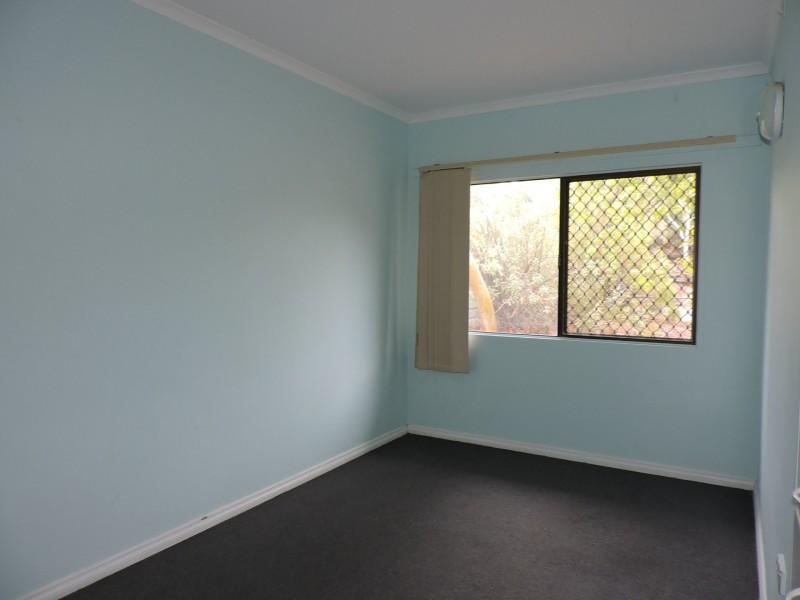31 Gilbert Place, Larapinta NT 0875