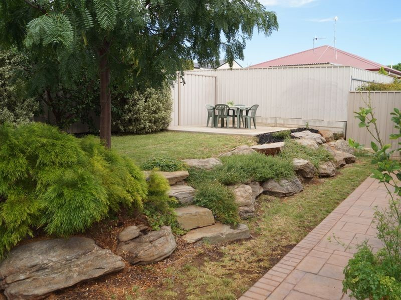 8 Sussex Court, Craigmore SA 5114