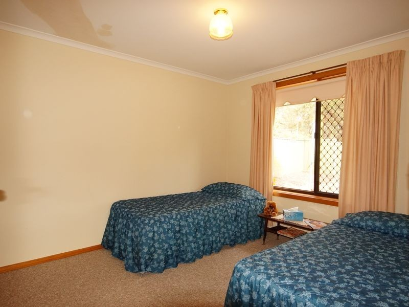 17 Wanbi Court, Craigmore SA 5114
