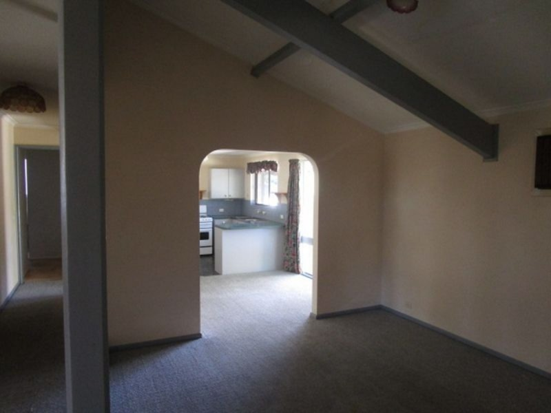 19 Kanimbla Crescent, Craigmore SA 5114