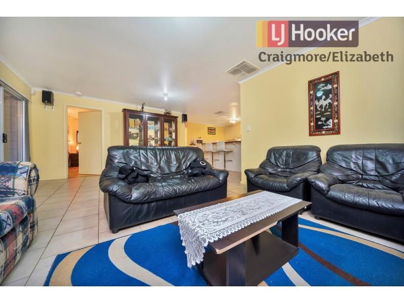 6 Stuart Drive, Craigmore SA 5114