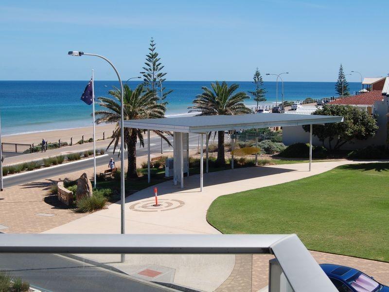 209/50 Esplanade (Beach Point Apartments), Christies Beach SA 5165