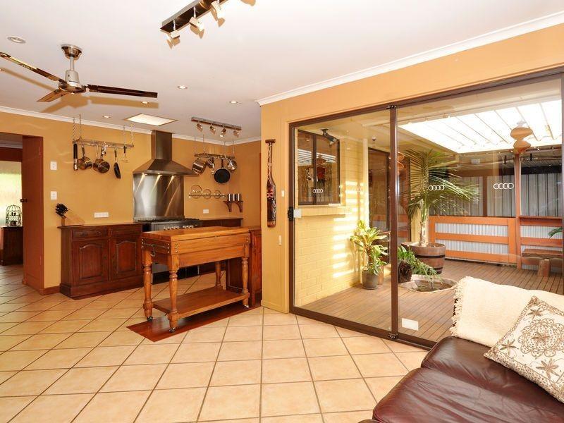 33 Tania Drive, Aberfoyle Park SA 5159