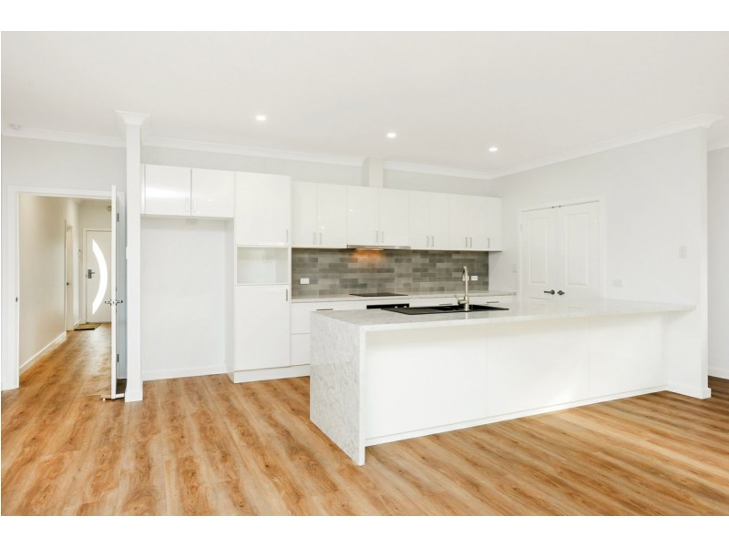 64 Montpelier Terrace, Port Elliot SA 5212