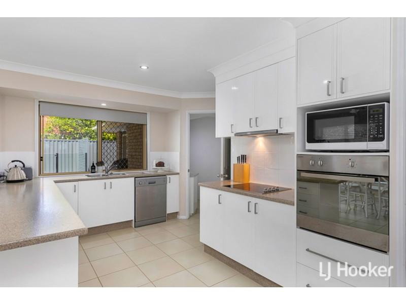 12 Sunningdale Drive, Redland Bay QLD 4165