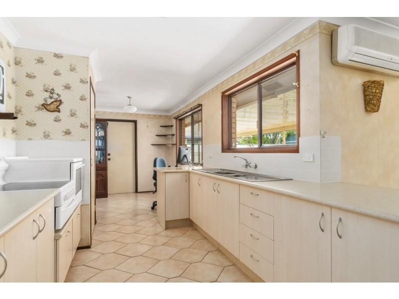 6 Glendevon Crescent, Mount Warren Park QLD 4207