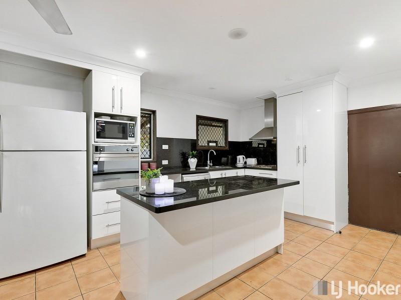 8 Fleet Street, Birkdale QLD 4159