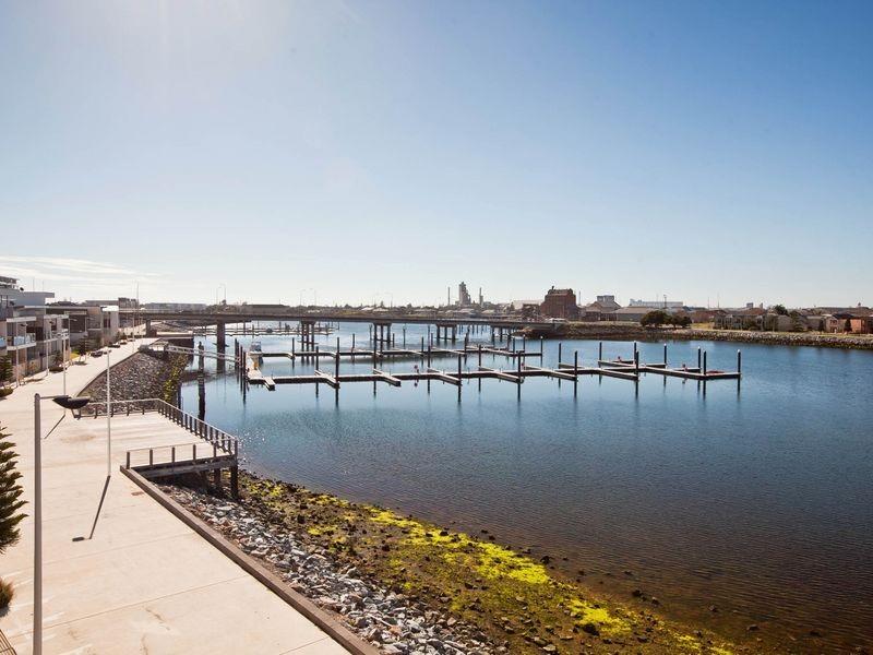 11 Karra Cove, New Port SA 5015
