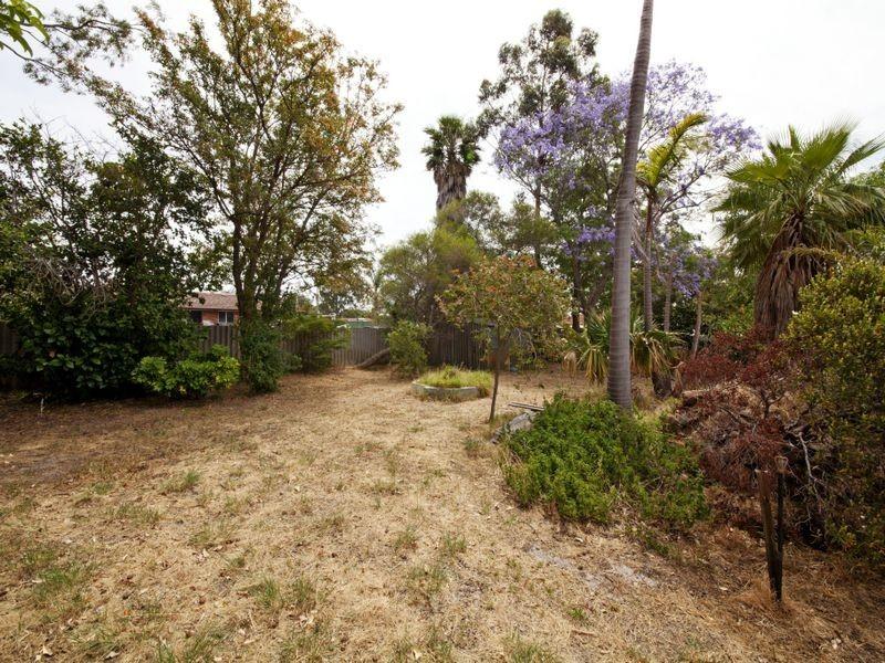 3 Redtingle Road, Camillo WA 6111