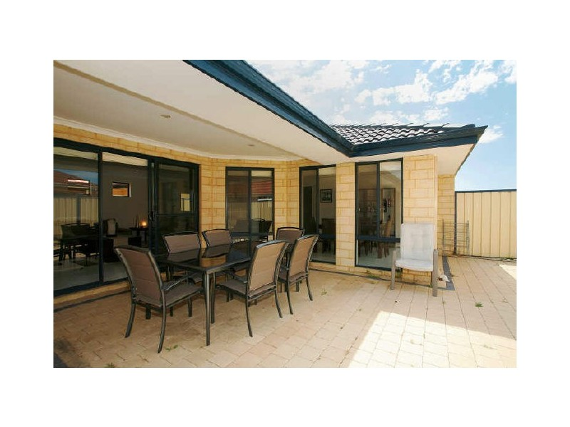 319 Wentworth Parade, Success WA 6164