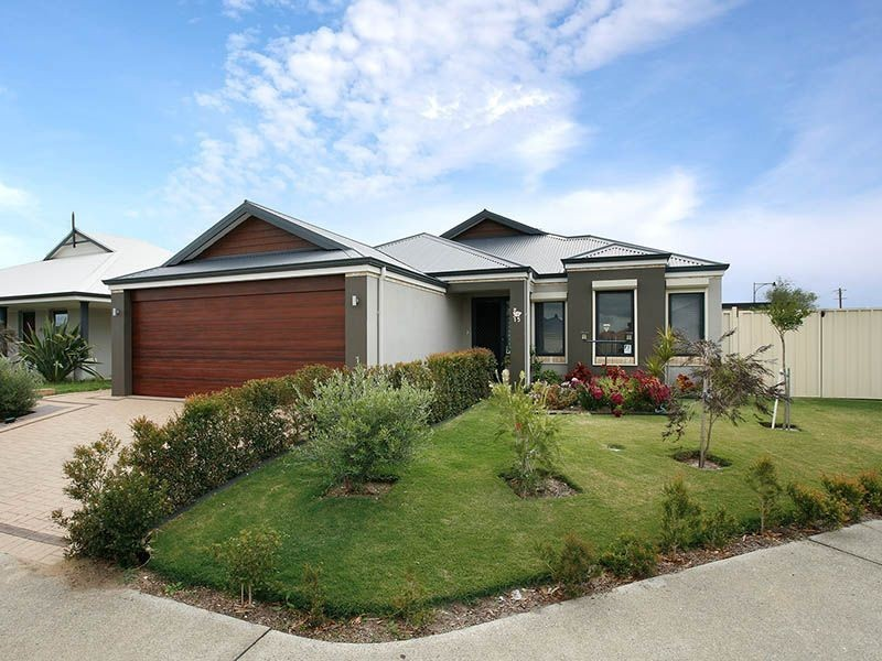 15 Normanby Bend, Success WA 6164