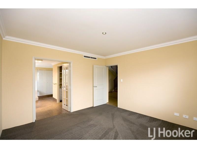5 George Hibbert Road, Madora Bay WA 6210