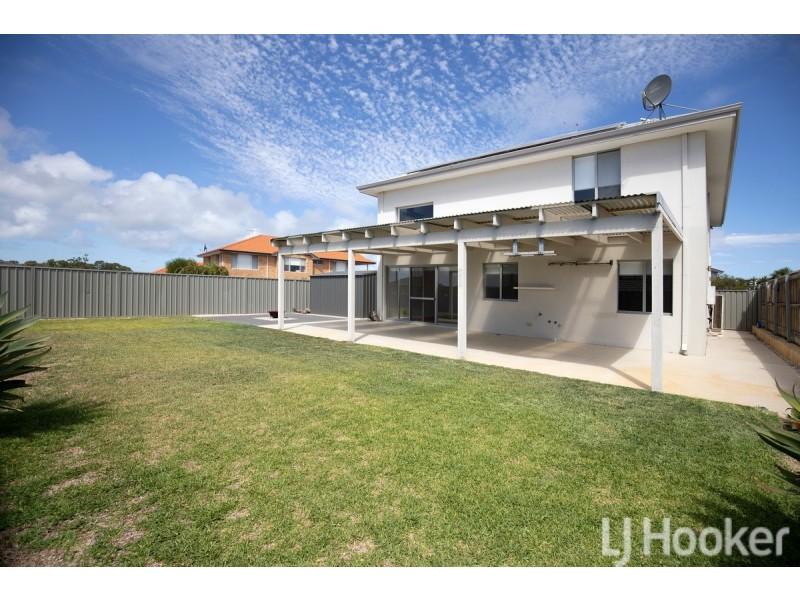 22 Sugarwood Terrace, Halls Head WA 6210