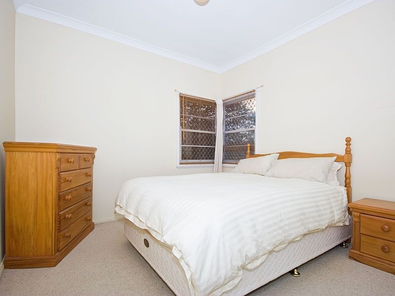 26 Hebe Street, Bardon QLD 4065