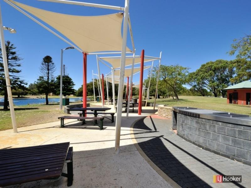 13/12 Westralia Gardens, Rockingham WA 6168