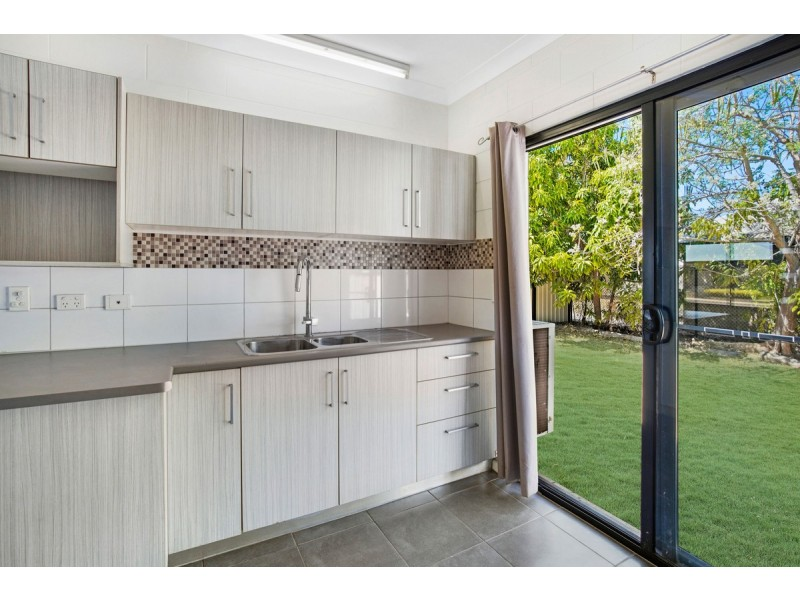 2/11 flinders Street, Johnston NT 0832