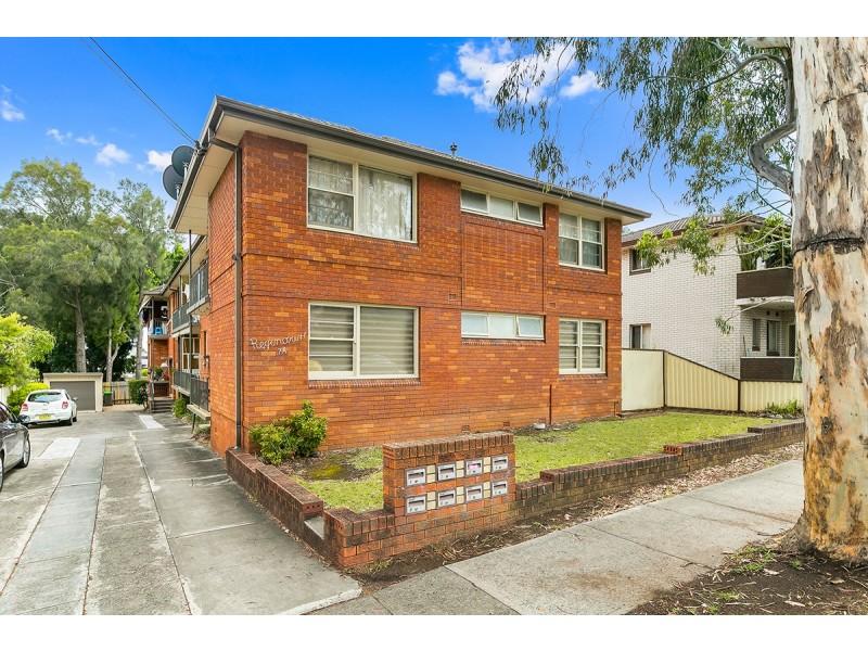 2/7a Reginald Avenue, Belmore NSW 2192