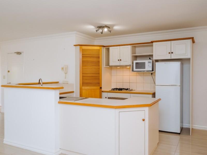 2/28 Waterloo Crescent, East Perth WA 6004