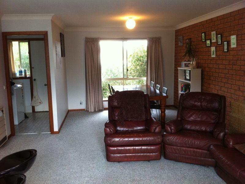 1/3-5 Eden Street, Bega NSW 2550