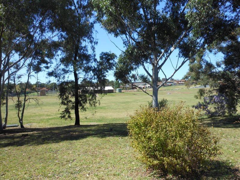 13 Woodcourt St, Ambarvale NSW 2560