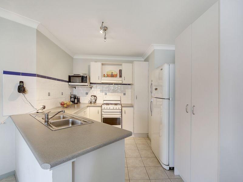 8 Dwyer Pl, St Helens Park NSW 2560