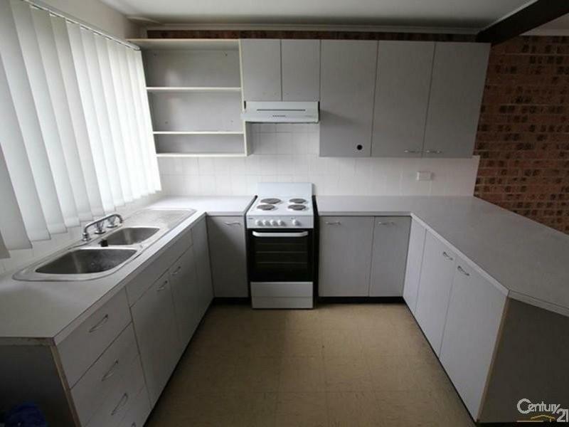 2/7 Hanlon Place, Minto NSW 2566