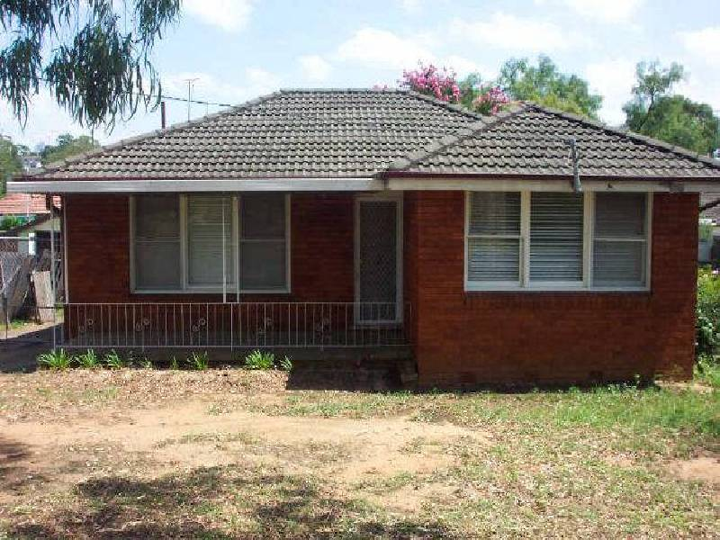 21 Hoddle Avenue, Airds NSW 2560