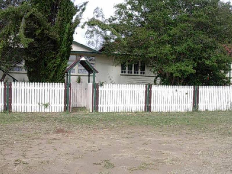 14 Golden Spur Street, Abercorn QLD 4627