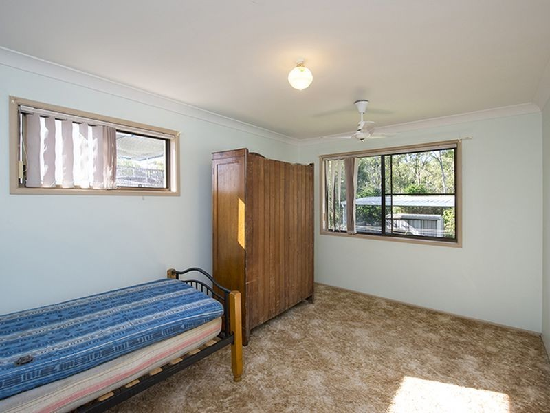 12 Pluto Street, Telina QLD 4680