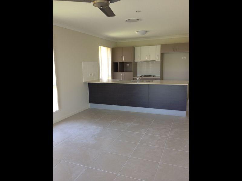 35 Briffney Street, Kirkwood QLD 4680