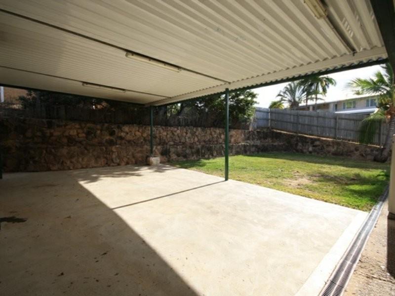 11 Aquarius Street, Clinton QLD 4680