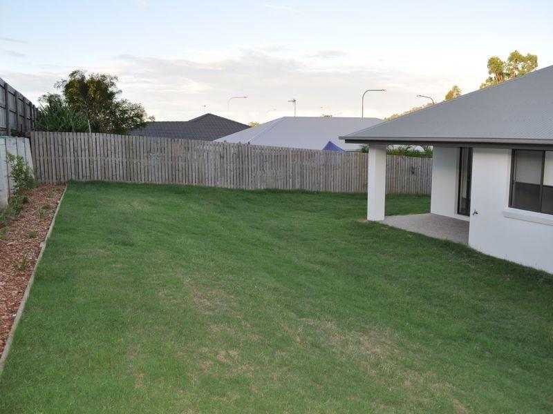 7 Lavender Boulevard, Kirkwood QLD 4680